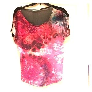 Firework/galaxy print sheet-mesh back blouse!